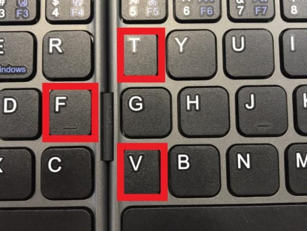 キーボードの「T」「F」「V」が少し小さい